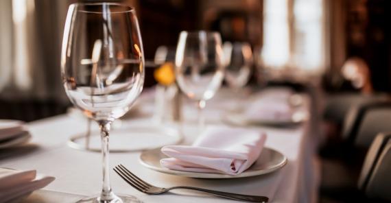 .*NEW* <br/>English for Hospitality: Restaurant & Bar